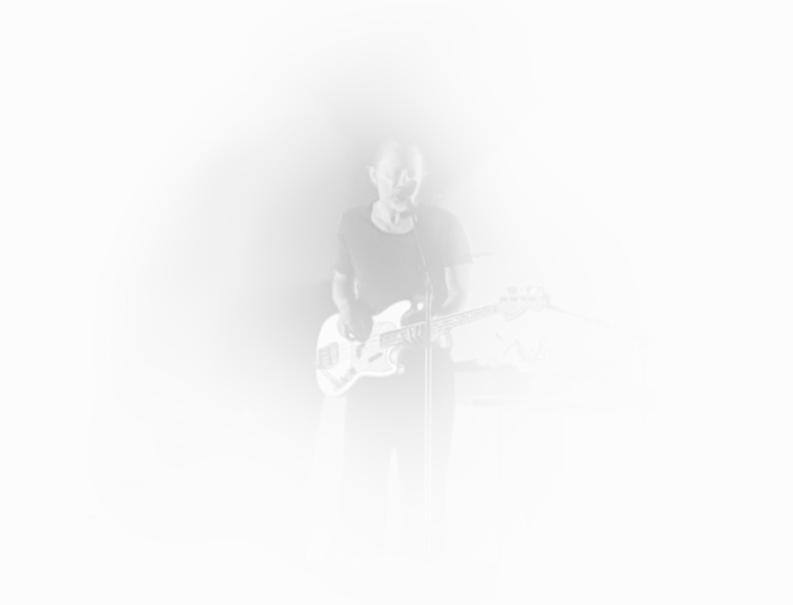 Clicka la imagen y disfruta de la música y las letras de Thom.